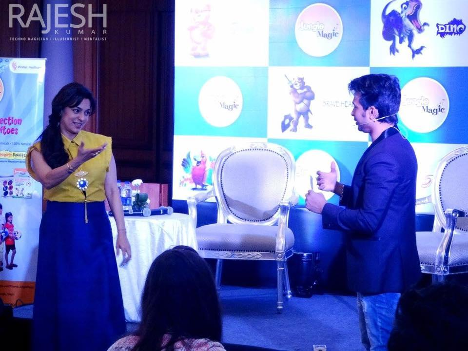 Magician Rajesh kumar live in mumbai for jungle magic with bollywood actress juhi chawla